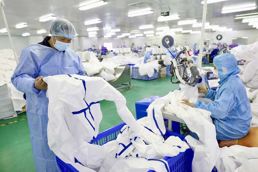 disposable coverall manufacturer